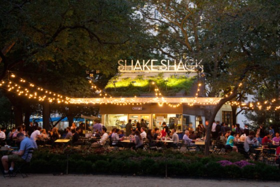 Pre wedding evening at Shake Shack in Madison Square Park, NYC.
